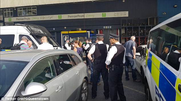 Phoney viagra seized at Nine Elms Market, Daily Mail gets hard-on